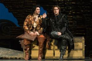 Сцена из оперы «Дон Жуан». Дон Жуан — Ильдар Абдразаков (Мариинский театр), Лепорелло — Аскар Абдразаков, 2007 год