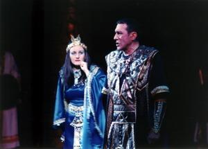 Сцена из оперы «Аида». Радамес — Алексей Моисеенко (Германия), Амнерис — Лариса Ахметова, 2003 год