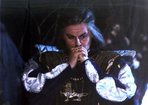Сцена из оперы «Иоланта». Король Рене — Аскар Абдразаков, 2003 год