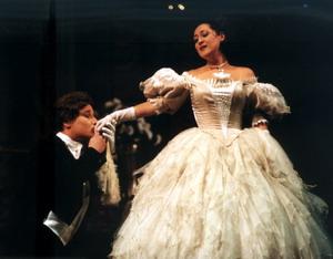Сцена из оперы «Травиата». Виолетта — Эльвира Фатыхова, Альфред — Алексей Сребницкий (Украина), 2001 год