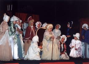 Сцена из оперы «Пиковая дама». Графиня — Ирина Архипова (Москва), 1996 год